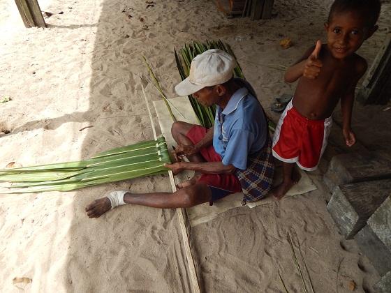 плетение из листьев пальмы