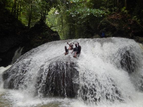 водопад папуа новая гвинея